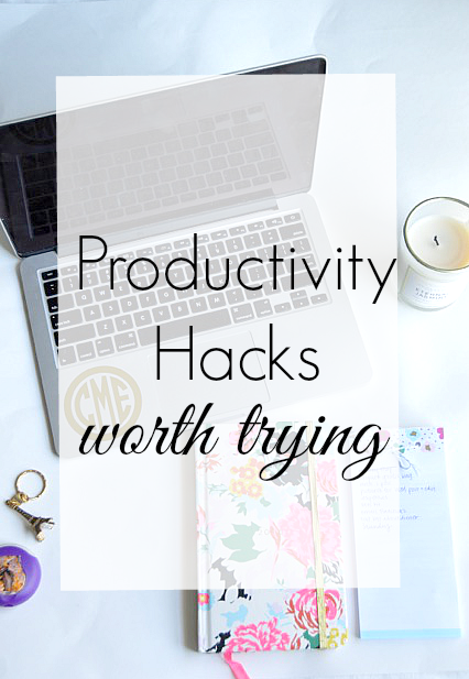 productivity hacks worth trying to maximize your work day and help you to be more efficient!