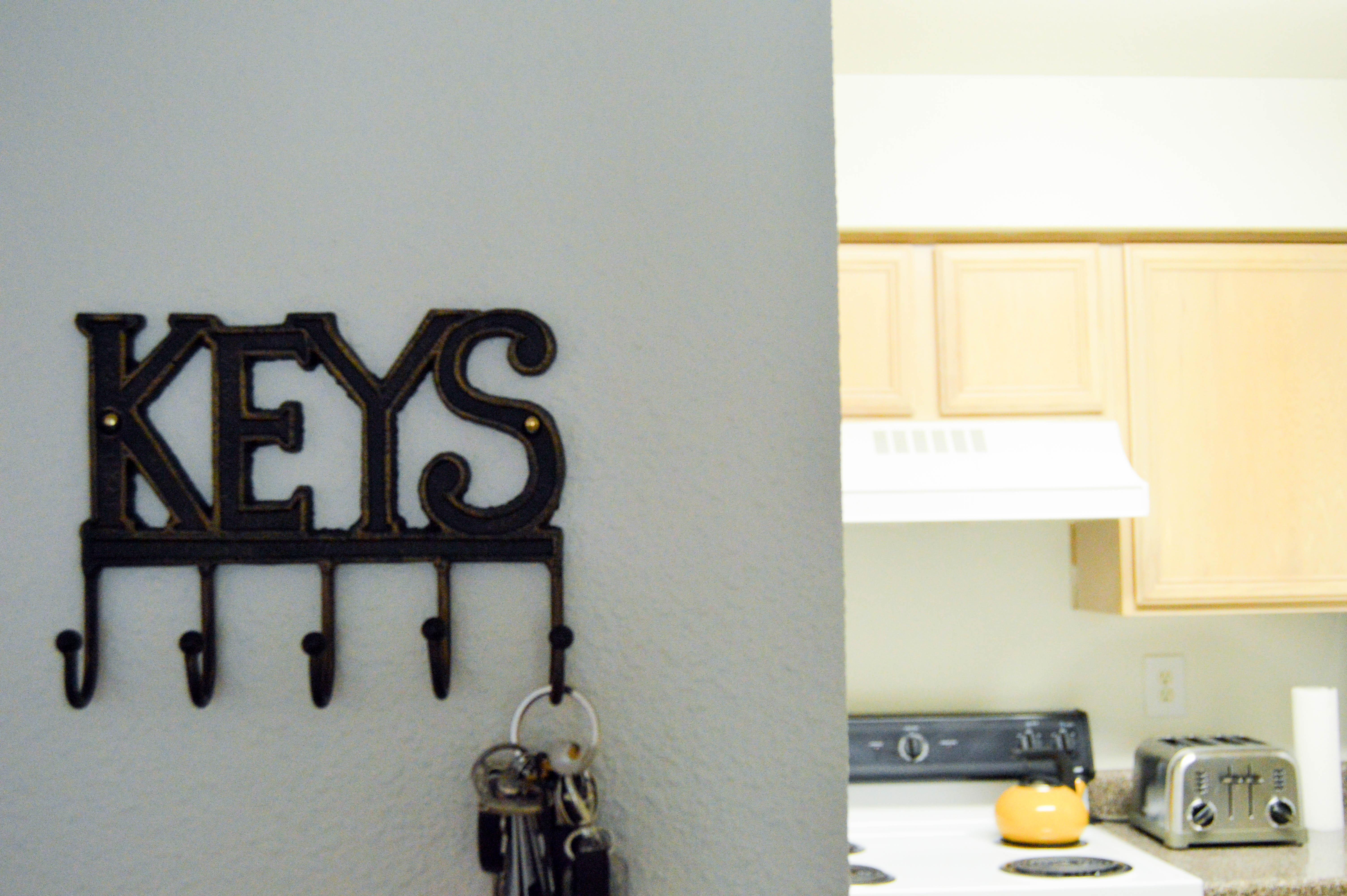 college apartment decor hacks